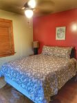 Ocoee River Area cabin rentals-Queen Bedrooom